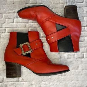 VINTAGE | Red leather ankle boots